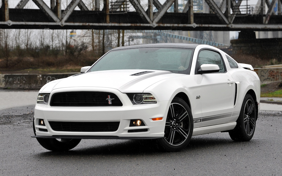 Performance white 2013 ford mustang gt california special coupe
