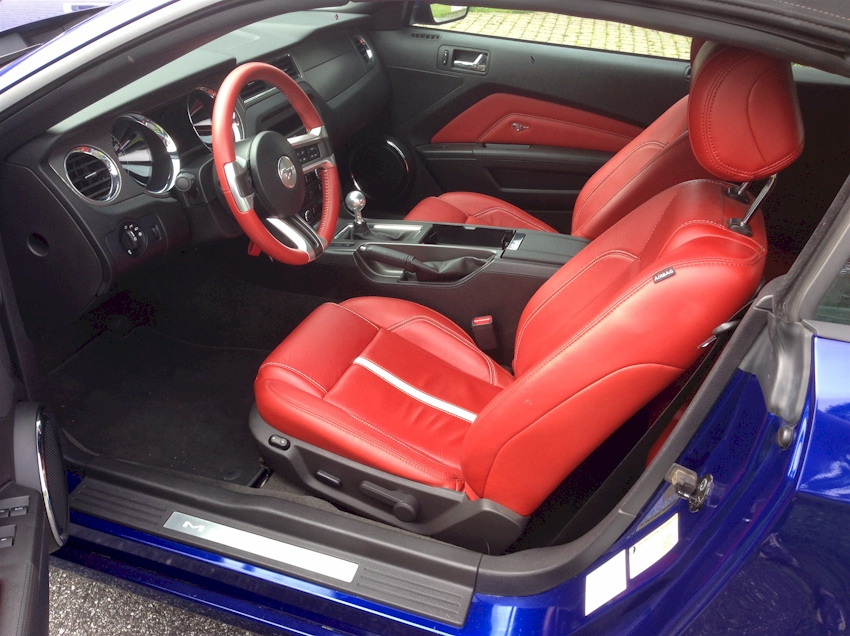 red interior - 2014 Ford Mustang Convertible Interior