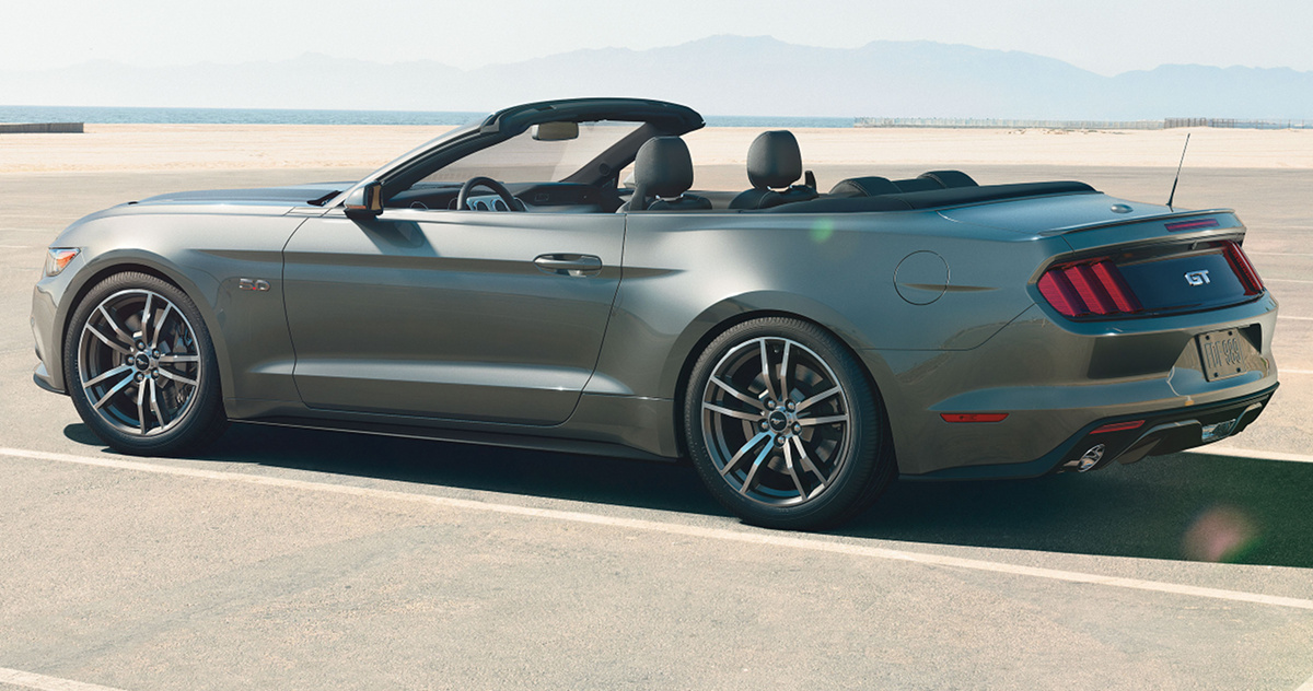 Magnetic 2015 Ford Mustang