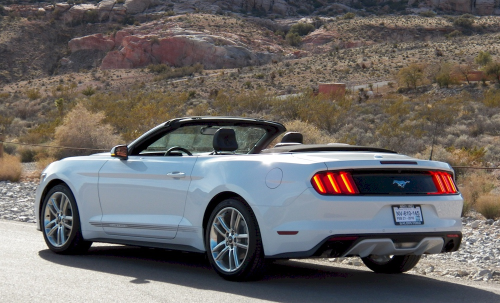 Oxford White 2016 Ecoboost Mustang Convertible
