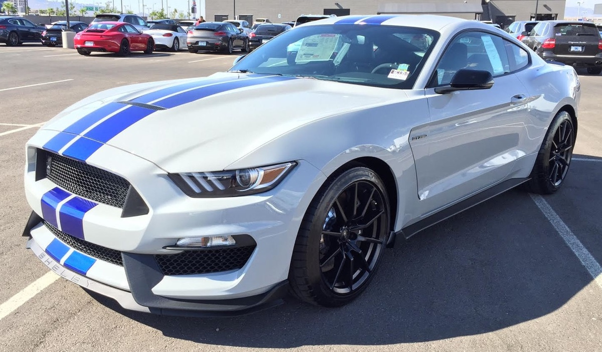 Avalanche 2016 ford mustang shelby gt 350 fastback mustangattitude