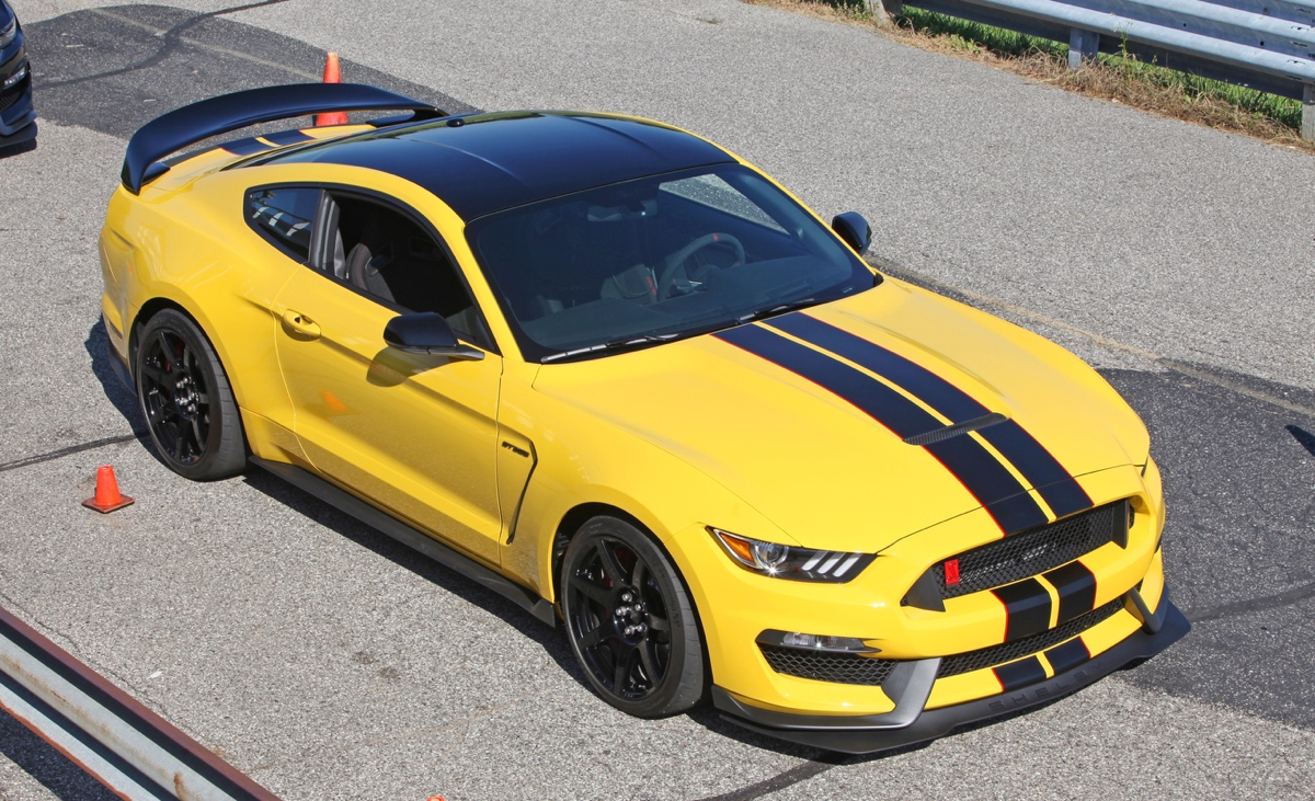 Triple Yellow 2016 Ford Mustang Shelby Gt350r Coupe